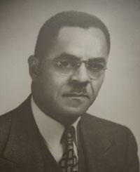 Dr. Howard Gregg