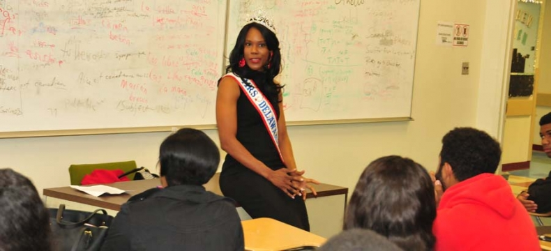 DSU Alumna Returns to Share Life Experiences with Students