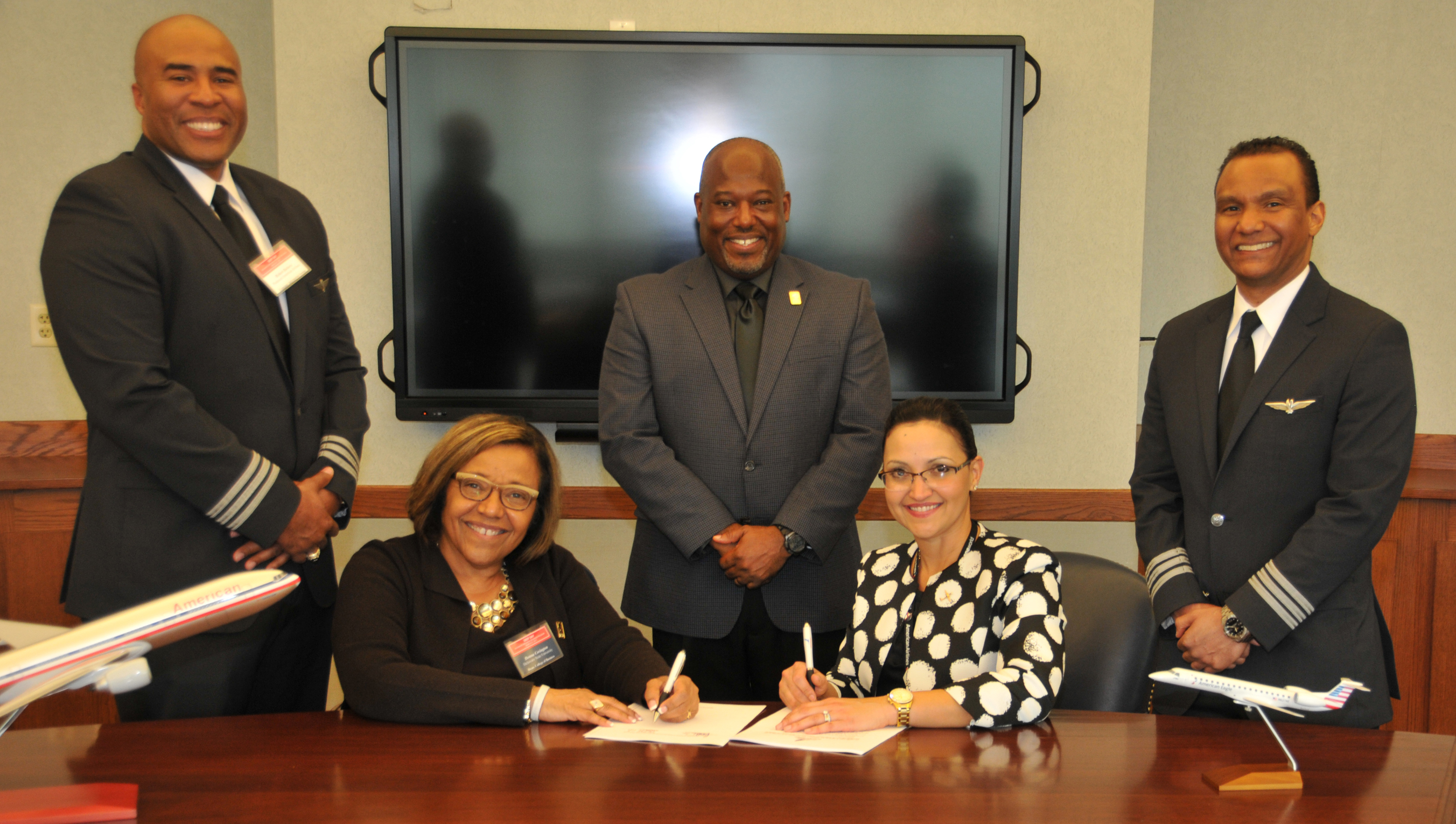 DSU Aviation and Piedmont Airlines Sign Agreement